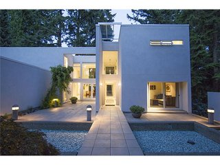 Luxury West Vancouver House Rentals